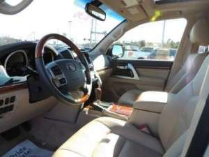 2014-toyota-land-cruiser-for-sale in kuwait