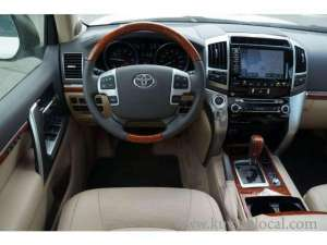 2013 TOYOTA LAND CRUISER GXR 4WD in kuwait