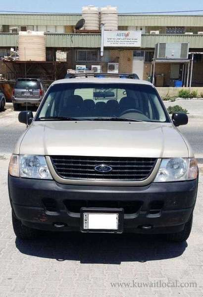 ford-explorer-2005-for-urgent-sale-kuwait