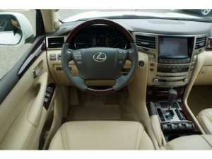 am-selling-my-used-2013-lexus-570-suv-like-new in kuwait