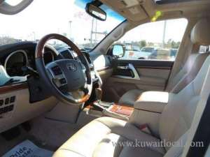 toyota-land-cruiser-2014-automatic-transmission-full-option in kuwait