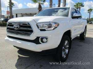 Used 2017 Toyota Tacoma Limited in kuwait