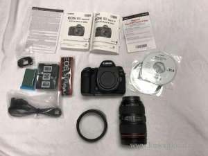 canon-eos-5d-mark-iv-digital-slr-camera-with-ef-24-105mm-lens in kuwait