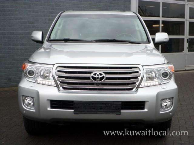 2014-toyota-land-cruiser-automatic-kuwait