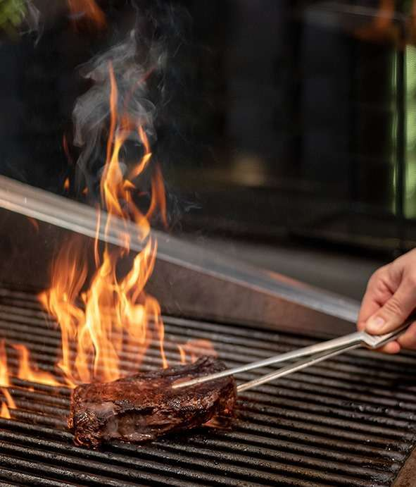 experience-sizzling-bbq-nights-by-the-pool-kuwait