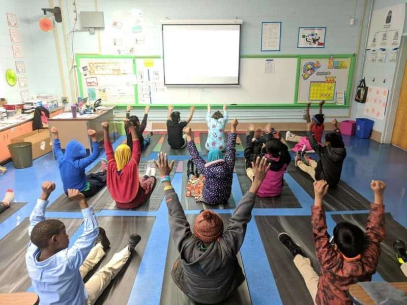 kids-yoga-kuwait