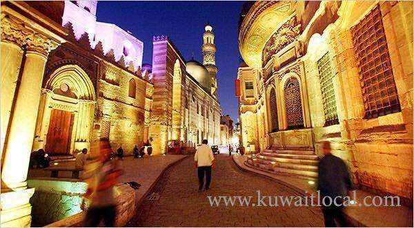 night-at-the-moez-street-in-kuwait-kuwait