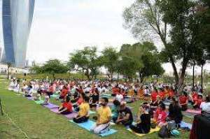 yoga-at-the-park-with-daratma_kuwait