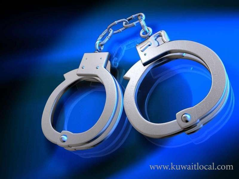 cid-arrested-a-senior-official-for-blackmailing-the-owner-of-a-restaurant_kuwait