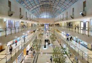 a-fight-between-two-youths-jordanian-and-a-kuwaiti-in-mall_kuwait
