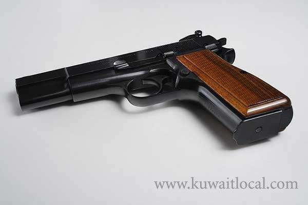 police-arrested-a-kuwaiti-for-possessing-an-unlicensed-revolver_kuwait