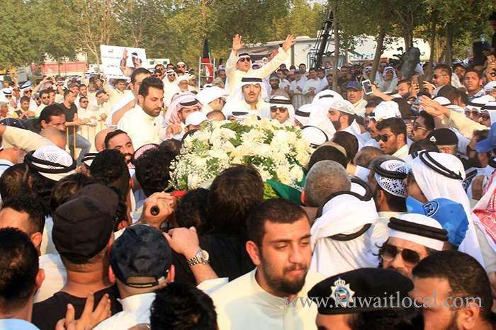 fans-of-abdulredha-who-made-them-laugh-for-years-shed-tears-at-his-burial_kuwait