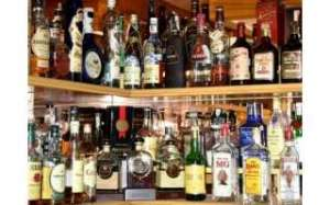 an-indian-expatriate-was-arrested-in-possession-of-25-liquor-bottles_kuwait