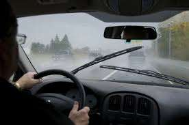 moi-urged-motorists-to-be-cautious-due-to-heavy-rains_kuwait