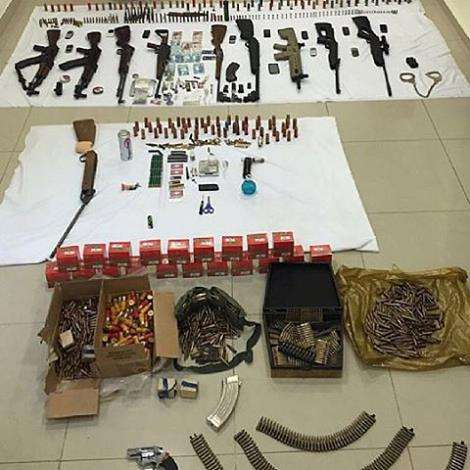 3-citizens-arrested-with-weapons-,-drugs_kuwait