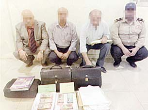 four-arab-expatriates-caught-for-bribing_kuwait