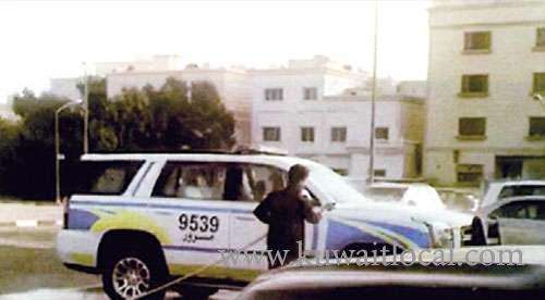 moi-is-interrogating-a-policeman-who-allowed-an-asian-to-wash-patrol-cars_kuwait