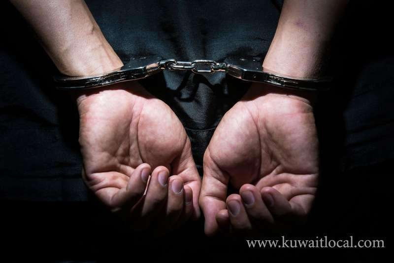 asian-liquor-peddlers-held-in-salmiya_kuwait
