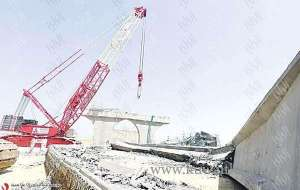 bridge-collapse-holds-up-construction-project_kuwait