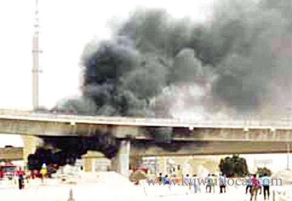 car-on-fire---traffic-held-up_kuwait