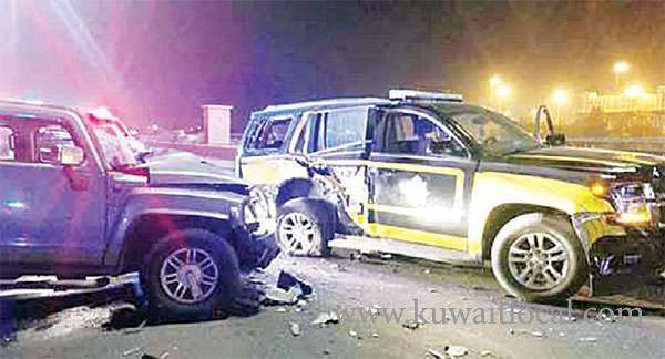 hummer-crashed-into-a-traffic-patrol-vehicle_kuwait