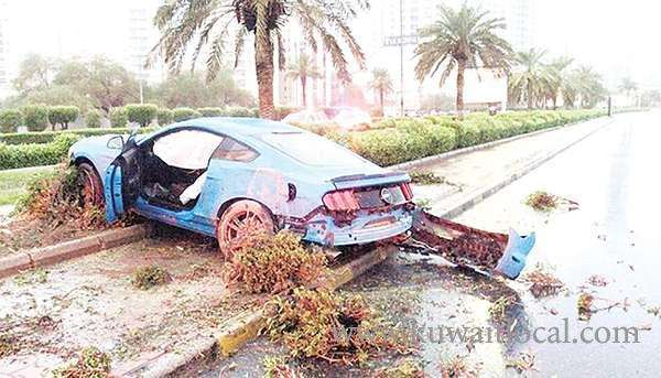 3-youths-injured-in-two-accidents_kuwait