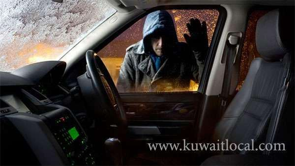 police-hunt-for-a-burglar-who-steals-from-parked-cars_kuwait