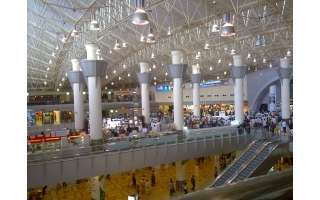 customs-officers-warned-passengers_kuwait