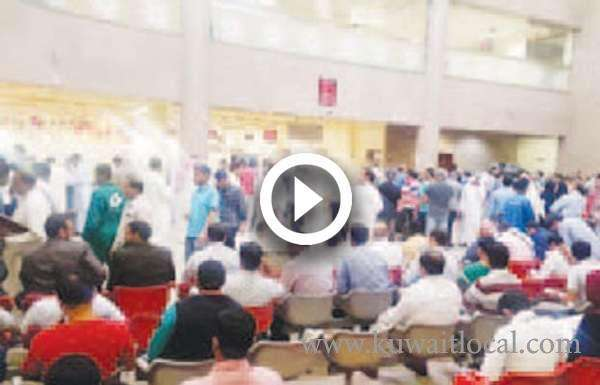kuwait-huge-crowd-at-paci-office--expats-paying-for-mistakes-of-employees_kuwait