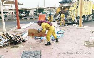 13-cleaning-workers-arrested-for-rummaging-through-garbage_kuwait