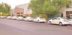 large-number-of-taxi-owners-protest-air-grievances_kuwait