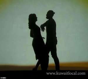 seminaked-couple-arrested_kuwait