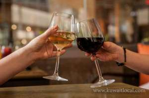 cafe-in-salmiya-offered-champagne-red-wine_kuwait