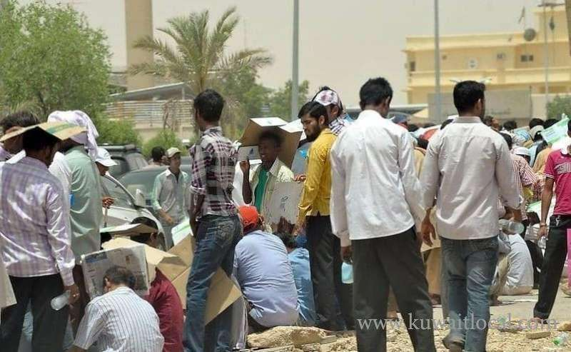 as-crackdown-begins-in-jleeb-bachelors-shifted-to-block-12-in-salmiya_kuwait