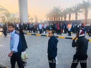 strike-of-the-hospitality-workers--demanding-salaries_kuwait