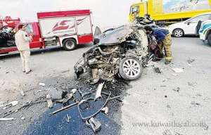 kuwaiti-pulled-out-from-car-wreck_kuwait