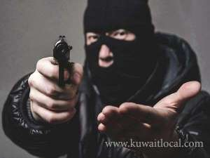 bangladeshi-robbed-of-cash-by-trio-film-style_kuwait