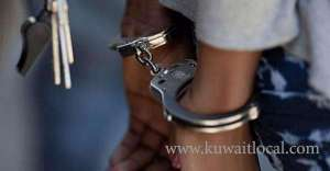 bedoon-arrested-for-stealing-9-cars_kuwait