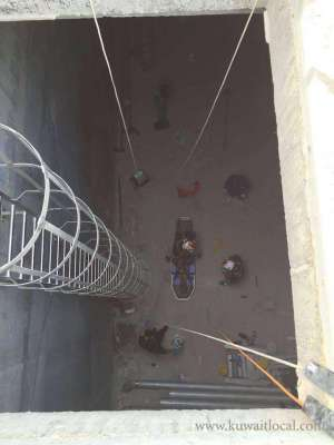 worker-rescued-after-falling-from-building_kuwait