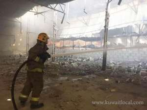 kuwait-firemen-battle-fires-at-3-warehouses_kuwait