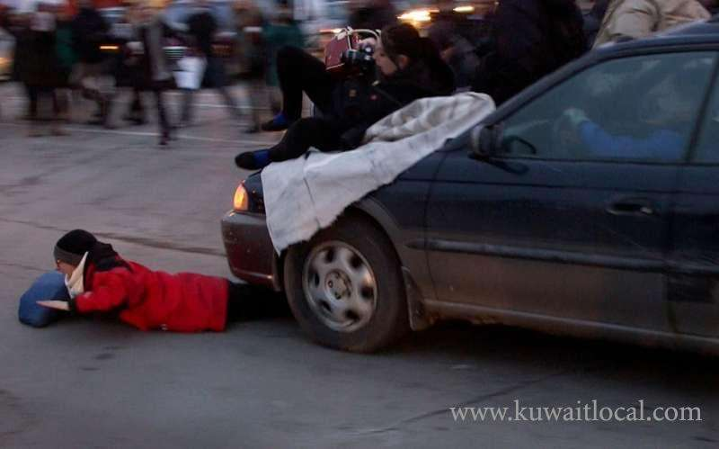 woman-was-seriously-injured-when-she-was-crossing-fahaheel-road_kuwait
