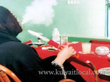 mother-loses-children's-custody-for-spending-hours-smoking-shisha_kuwait
