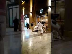 fight-in-al-kout-mall-kuwait_G2D